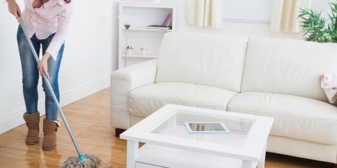 Fußboden richtig reinigen – Tipps für Laminat, Parkett, Fliesen und Teppich