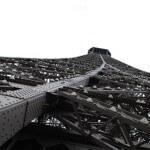 Ein Stahlgebilde wie der Eifelturm braucht eine spezielle Oberflächenbehandlung, um langfristig den Glanz erhalten zu können.