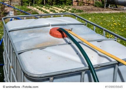 IBC Container für den Garten: Regenwasser speichern und nutzen