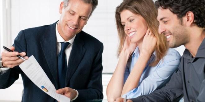 Verliebt, verlobt, verheiratet, Familie – welche Versicherungen für Sie am wichtigsten sind