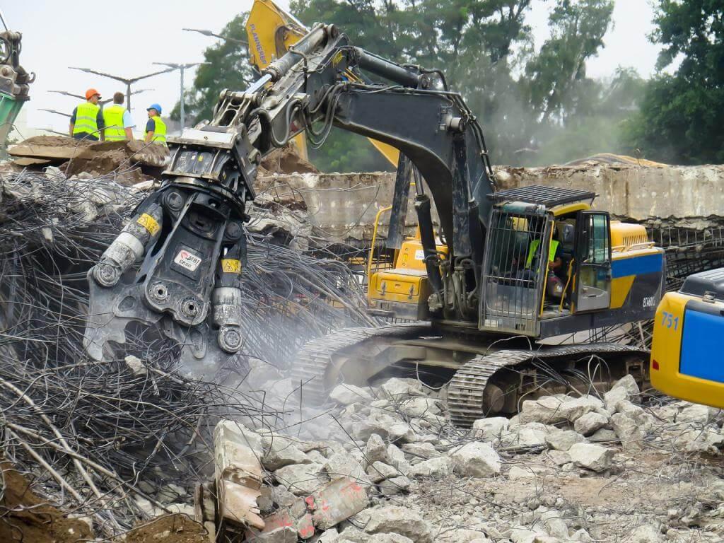Bau auf, bau auf – aber vorher kommen die Abbrucharbeiten