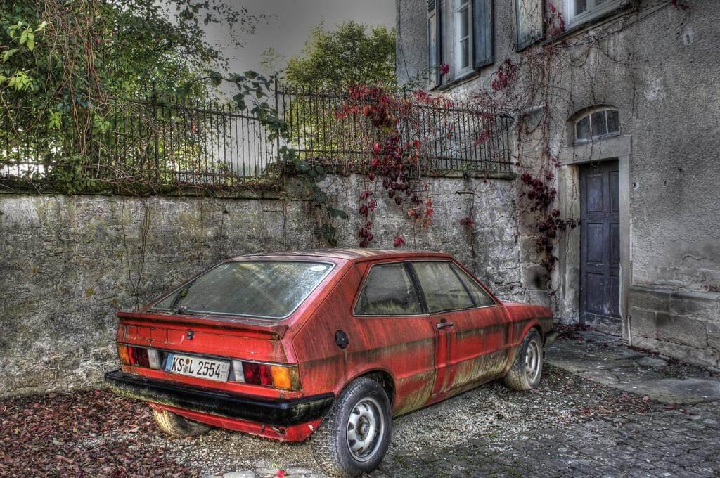 Aus und vorbei – wie entsorgt man sein Schrottauto am besten?