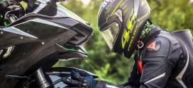 Welche Motorradbekleidung Grundausstattung benötigt man beim Motorradfahren?