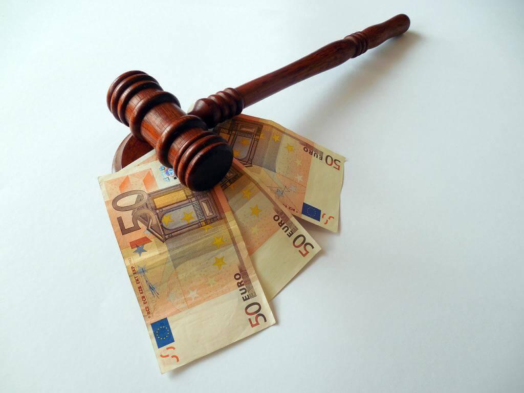 Alte Schinken, bares Geld: So machen Sie Ihren Trödel zu Bargeld