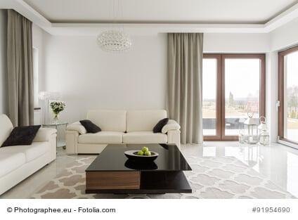angst vor einbruch wie ein rollladen zur sicherheit beitr gt und vor unerw nschten blicken. Black Bedroom Furniture Sets. Home Design Ideas