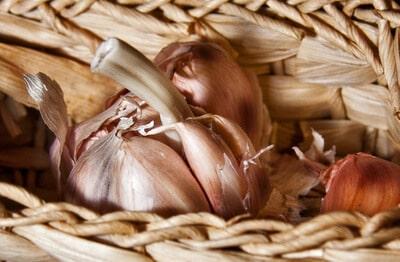 Was tun gegen Knoblauchgeruch? Folgende Mittel helfen