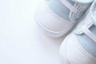 Lauflernschuhe für Babys – nützlich oder überflüssig?