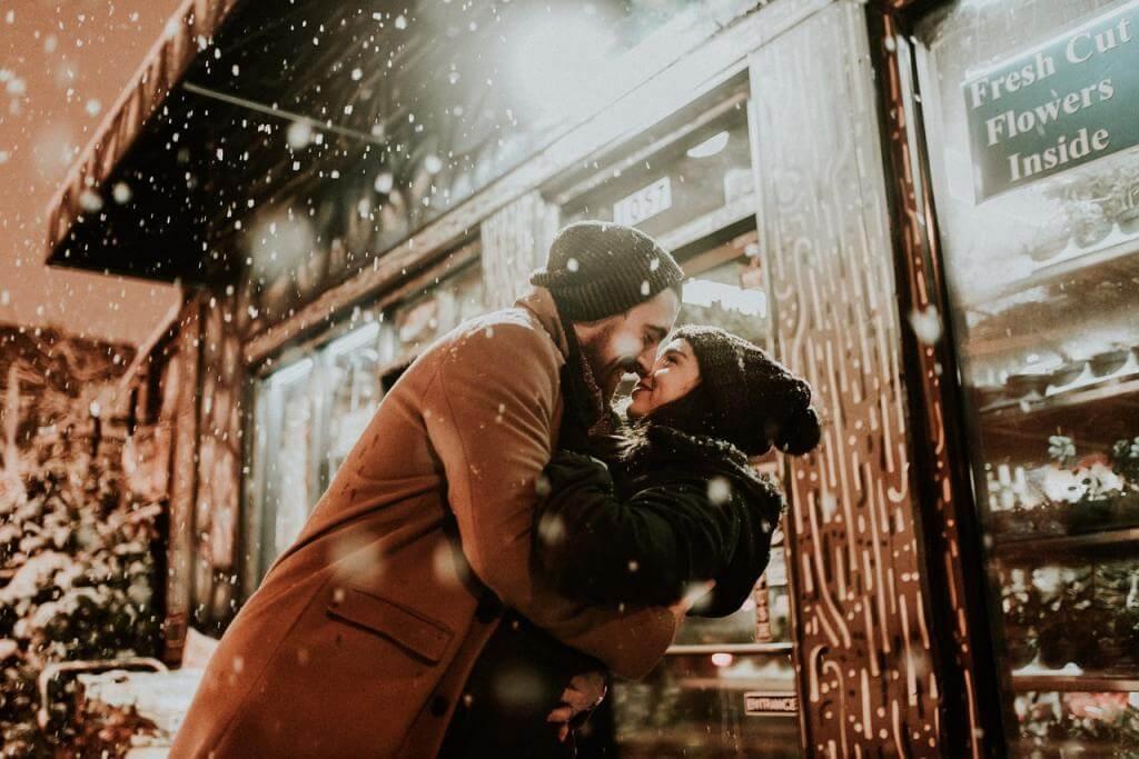Modischer Auftritt beim ersten Date – Mit welchen Looks sie ihn beim ersten Treffen überzeugt