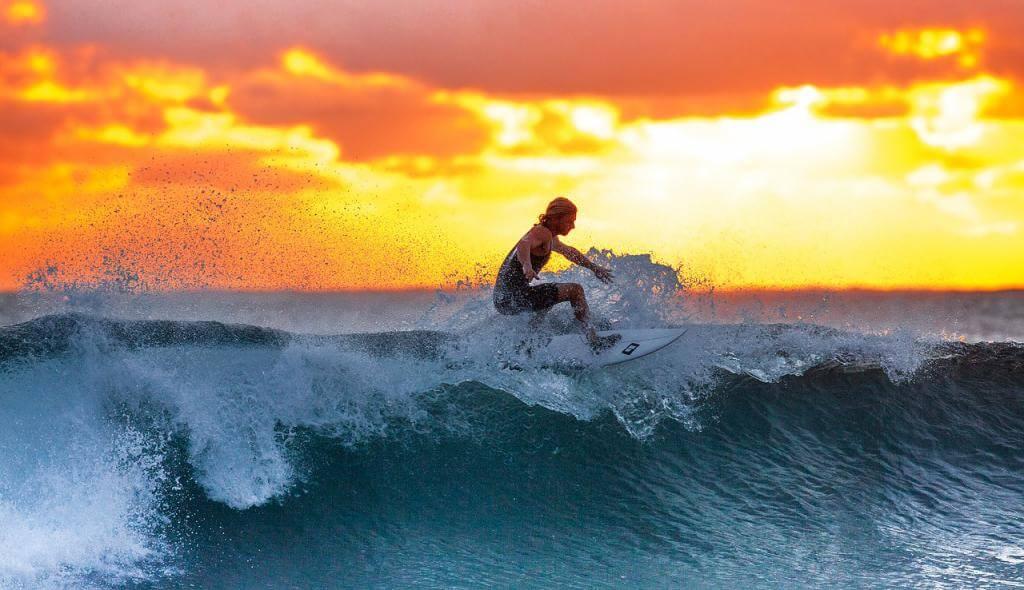 Surfen mit der ganzen Familie – so wird der Urlaub zur Surfschule