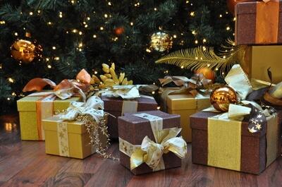 Weihnachten steht vor der Tür: Schenkratgeber für Frauengeschenke